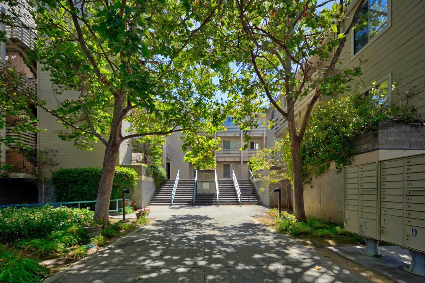 Detail Gallery Image 1 of 1 For 929 E El Camino Real 215d,  Sunnyvale,  CA 94087 - 2 Beds   2 Baths