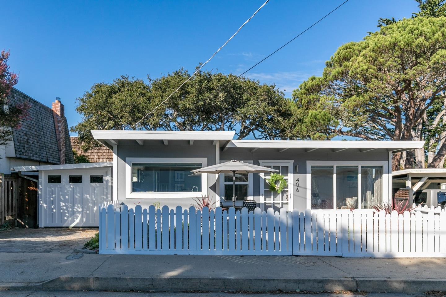 Detail Gallery Image 1 of 1 For 406 6th St, Pacific Grove,  CA 93950 - 2 Beds | 1 Baths