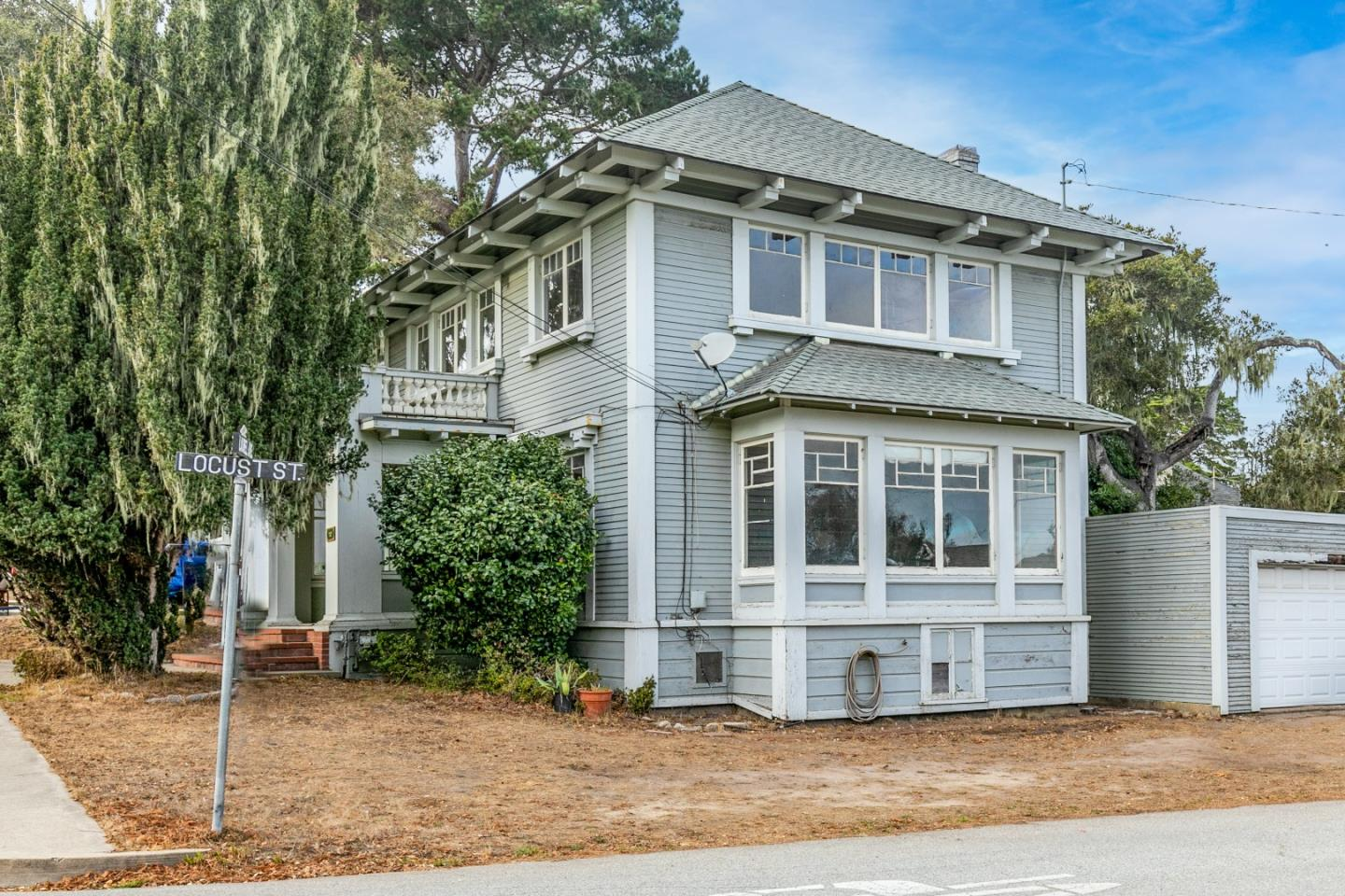 Detail Gallery Image 1 of 1 For 844 Laurel Ave, Pacific Grove,  CA 93950 - 4 Beds   1/1 Baths
