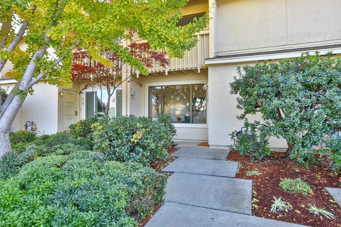 Detail Gallery Image 1 of 1 For 616 Crescent Ave, Sunnyvale,  CA 94087 - 2 Beds | 2/1 Baths