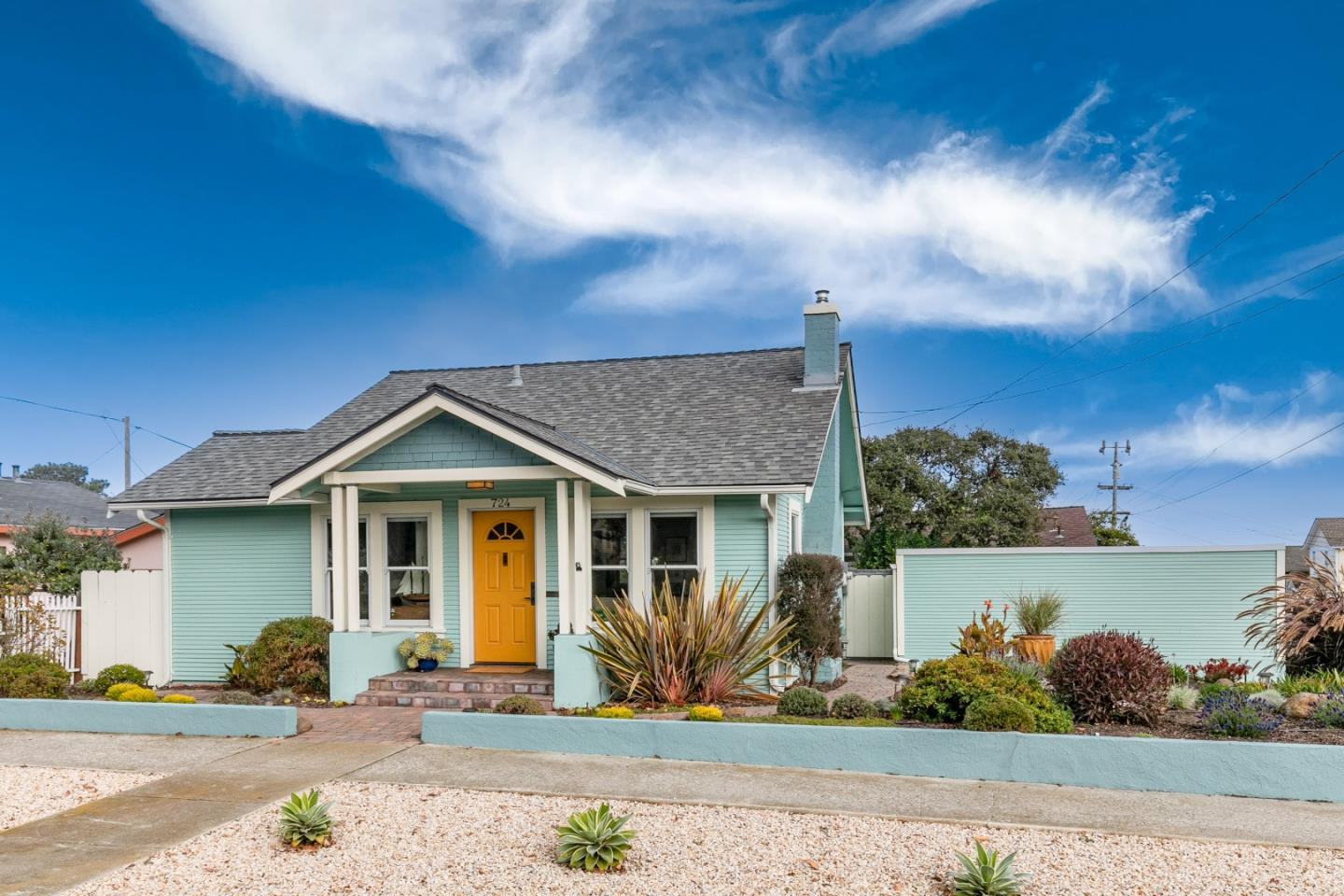 Detail Gallery Image 1 of 1 For 724 Pine Ave, Pacific Grove,  CA 93950 - 2 Beds | 1 Baths