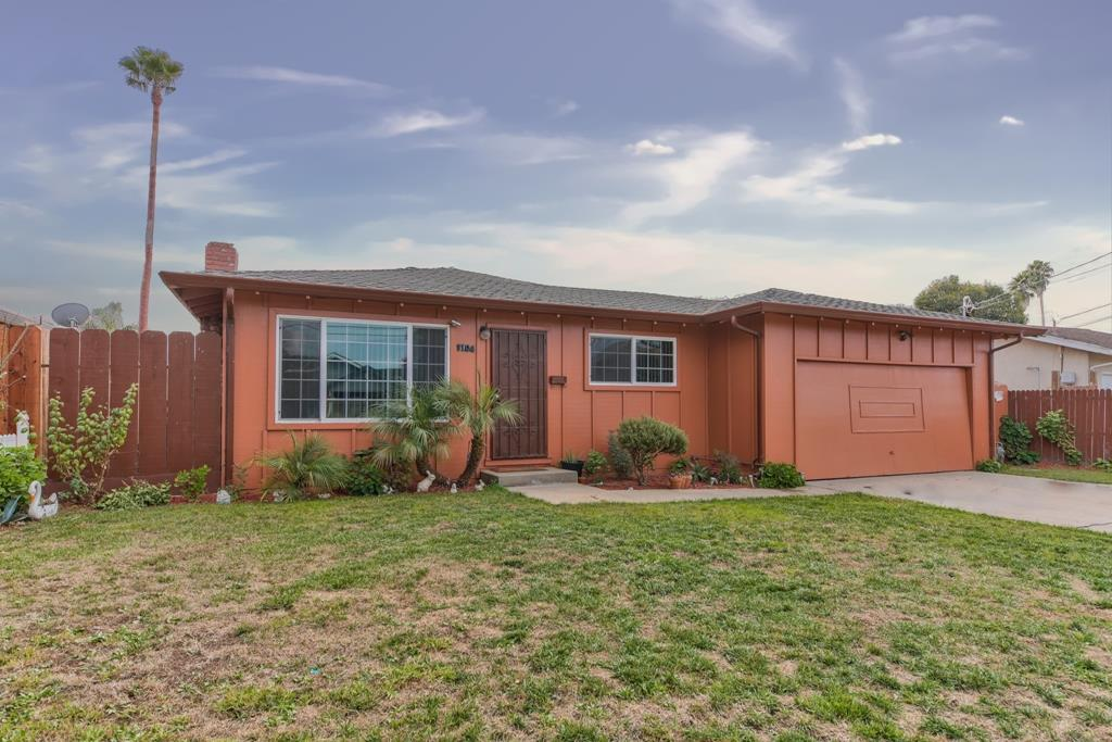 Detail Gallery Image 1 of 16 For 1104 Rider Ave, Salinas,  CA 93905 - 3 Beds | 1/1 Baths