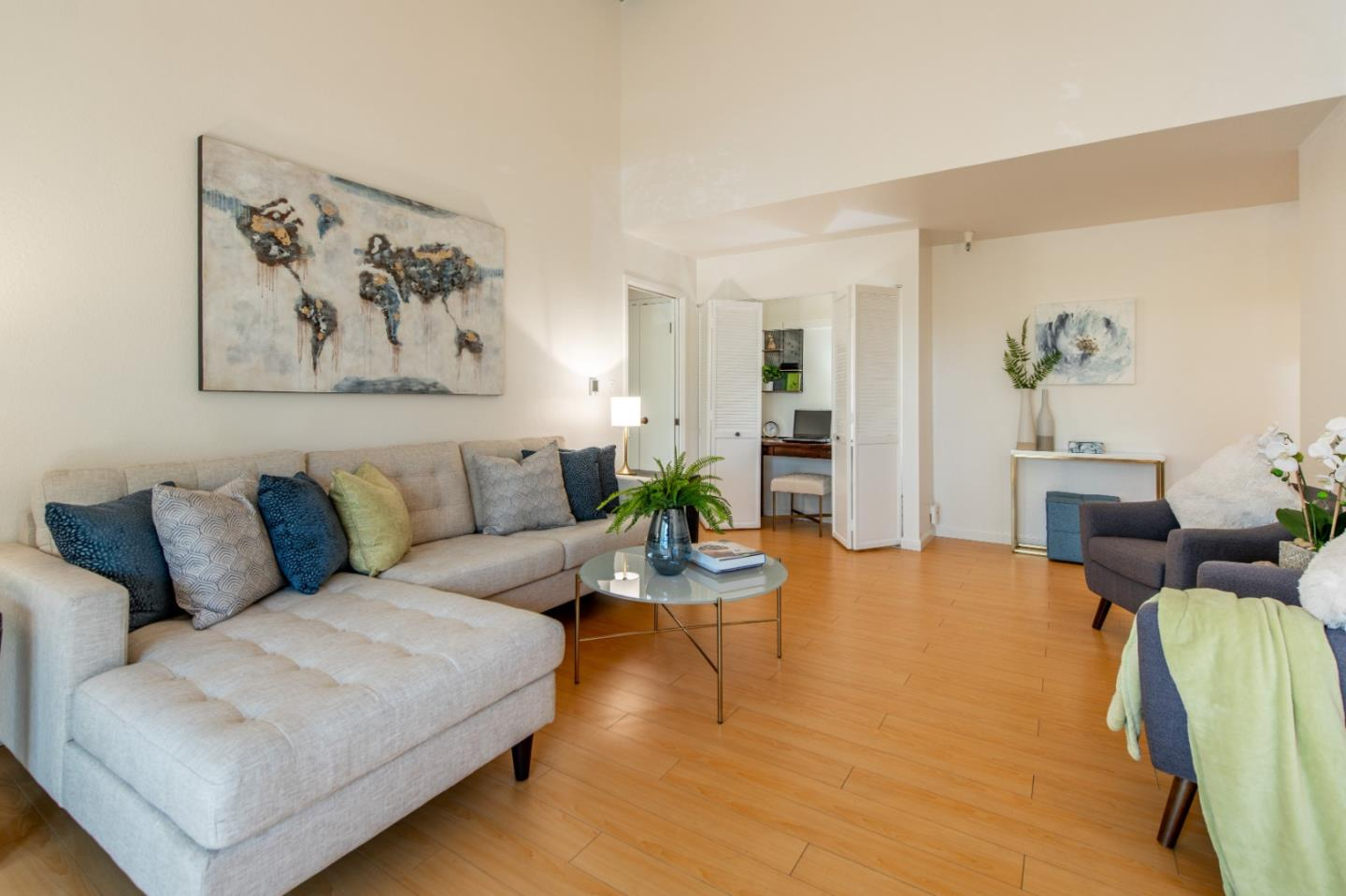 Detail Gallery Image 1 of 1 For 724 Oak Grove Ave #1,  Menlo Park,  CA 94025 - 1 Beds | 1 Baths