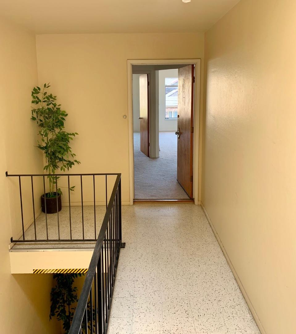This bright and spacious top floor unit has a large bedroom and living room with great natural light. Unit includes 1 car parking and extra storage in garage. Lots of closet space in the unit too! Water and garbage included. Excellent location in between Balboa and Geary St. Close to shopping and restaurants. Coin op laundry on site in garage.