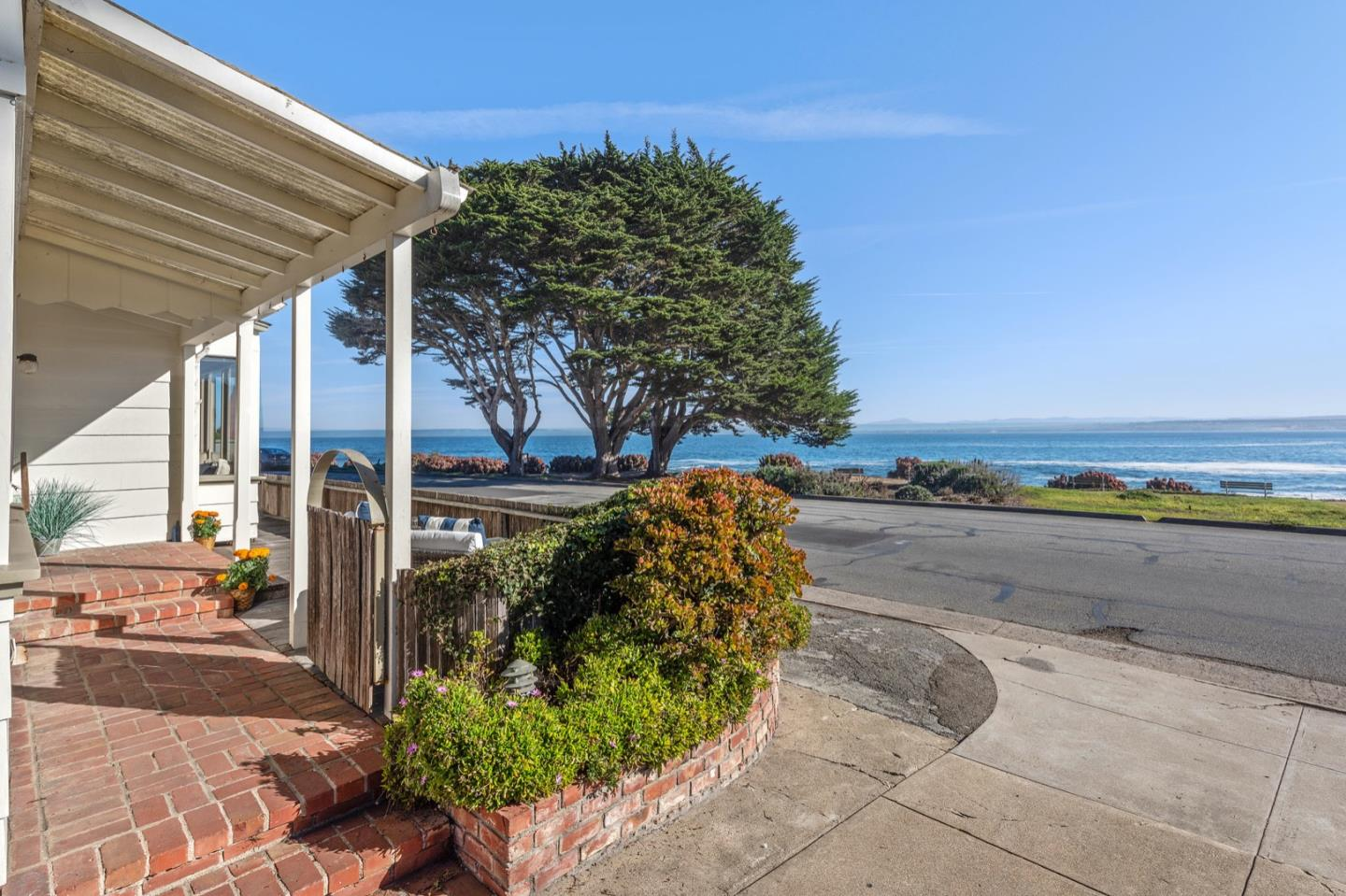 Big panoramic bay views in this ideal stretch of Ocean View Boulevard. Two plus bedroom main house with a one-bedroom detached guest house and two car garage. This is a once in a generation opportunity along the rocky Pacific Grove coast with views that look back towards Lovers' Point, Mount Toro and across the Monterey Bay towards Santa Cruz. You will feel the liveliness of the raw power of the Pacific Ocean and the enjoy direct access to the coastal trail. And while living on the ocean it is just a short stroll to the downtown shops and restaurants, more parks, golf, and the best features of living in the idyllic seaside community of Pacific Grove.