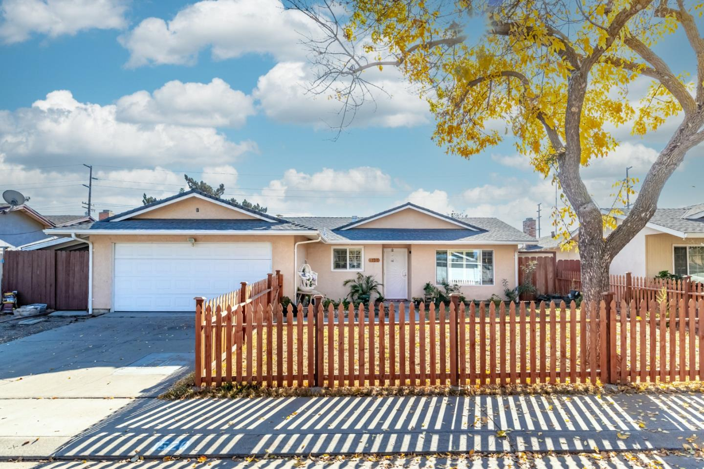Detail Gallery Image 1 of 1 For 1520 Rosario Ave, Modesto,  CA 95355 - 4 Beds | 2 Baths