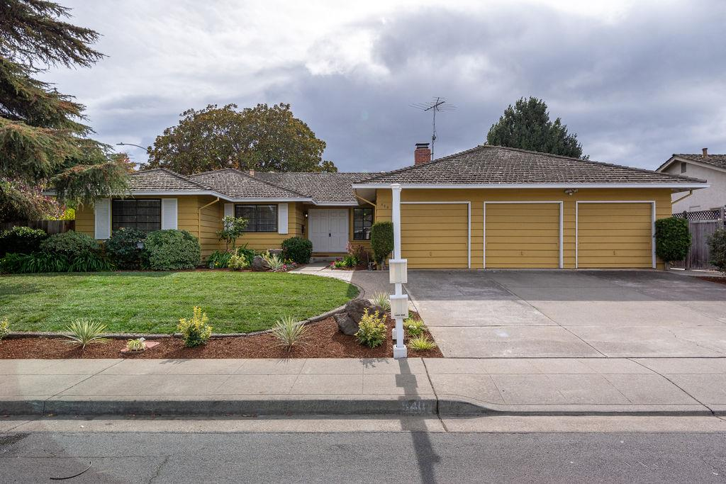 Detail Gallery Image 1 of 1 For 540 Tioga Ct, Sunnyvale,  CA 94087 - 4 Beds   2/1 Baths