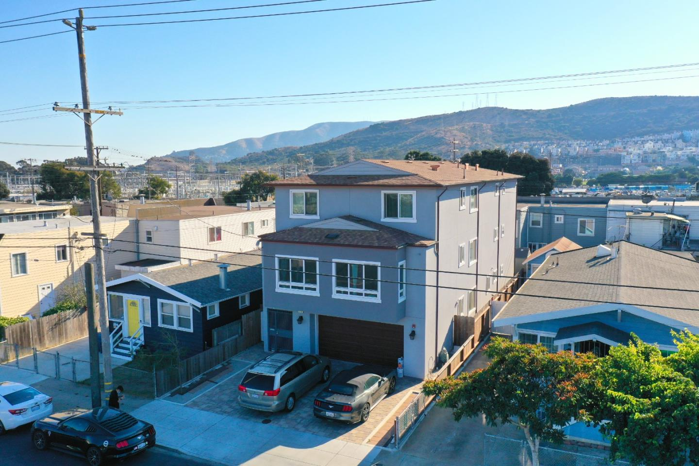 This exceptionally built single-family home is a hidden gem for potential investors. Standing tall with 11 bedrooms and 9 bathrooms, it is one of the largest single-family homes in the Daly City area. It spans over 5,342 SF over the 3 stories. Meticulously built as every inch of this property is used to the maximum potential. Don't miss your chance to see this amazing building for yourself!