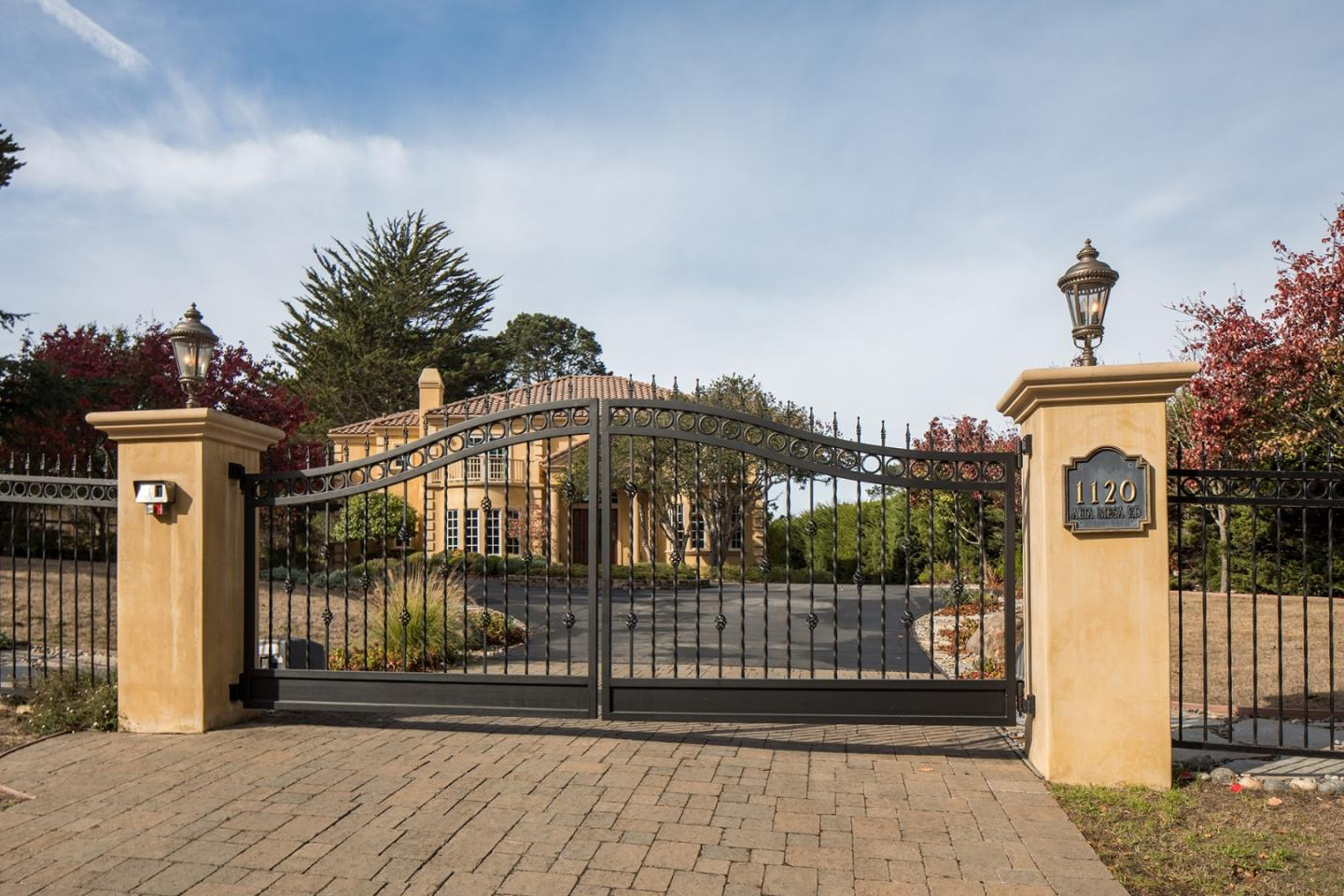 Photo of 1120 Alta Mesa RD, MONTEREY, CA 93940