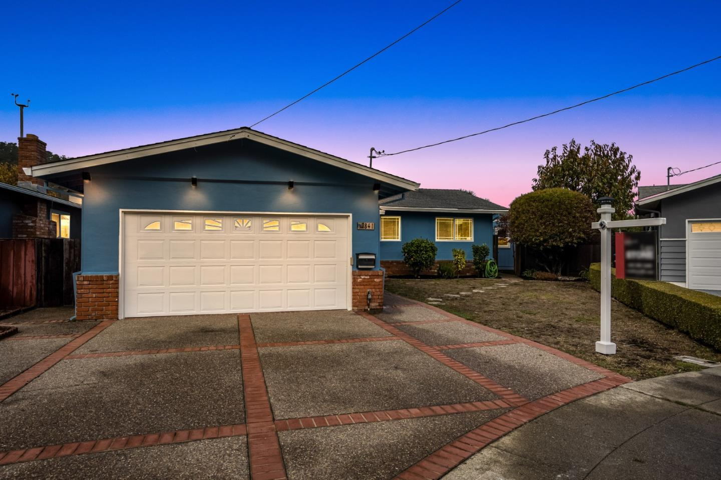 Detail Gallery Image 1 of 1 For 841 Lisa Ct, Pacifica,  CA 94044 - 3 Beds   2 Baths