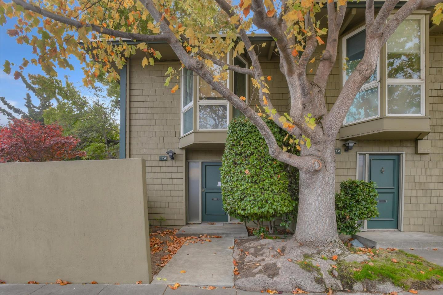 Detail Gallery Image 1 of 1 For 974 Peninsula Ave, San Mateo,  CA 94401 - 3 Beds   2/1 Baths