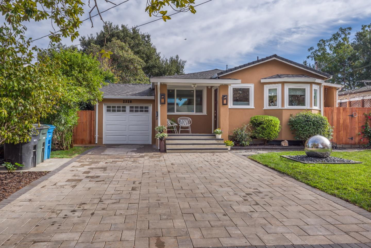 Detail Gallery Image 1 of 1 For 2326 Ralmar Ave, East Palo Alto,  CA 94303 - 2 Beds | 1 Baths