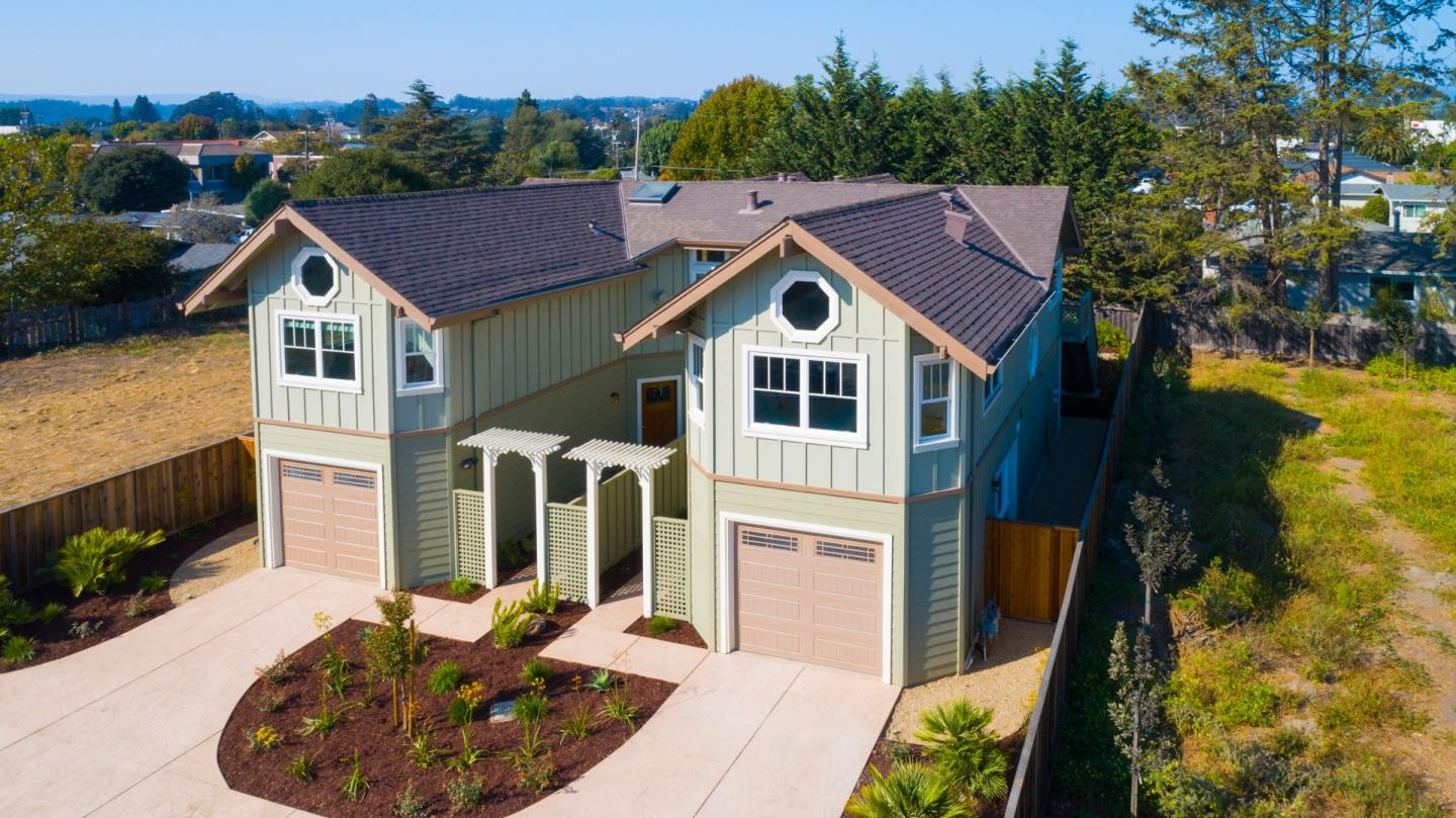 Detail Gallery Image 1 of 1 For 4201 Clares St, Capitola,  CA 95010 - 3 Beds | 2 Baths