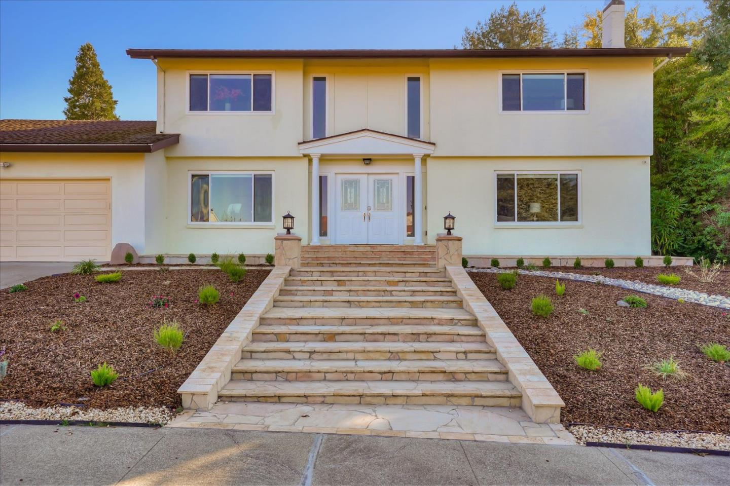 Detail Gallery Image 1 of 1 For 2757 Comstock Cir, Belmont,  CA 94002 - 5 Beds | 4 Baths