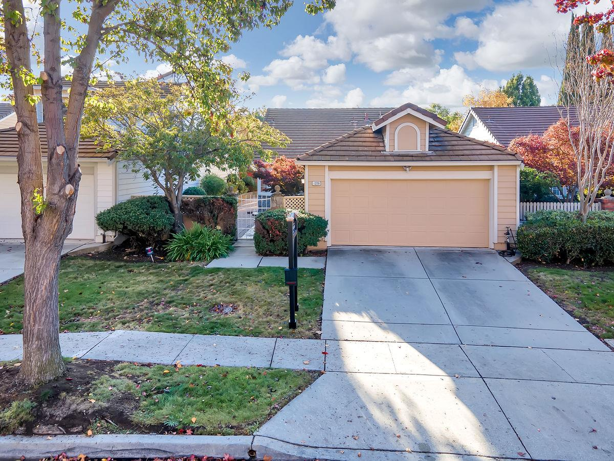 Detail Gallery Image 1 of 1 For 1229 Moulton Dr, Milpitas,  CA 95035 - 2 Beds | 2 Baths