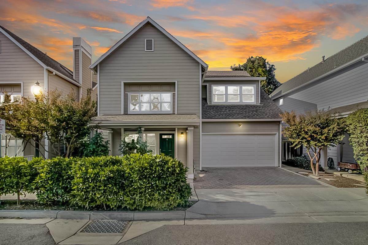 Detail Gallery Image 1 of 1 For 130 Plum Ct, Mountain View,  CA 94043 - 4 Beds | 3 Baths