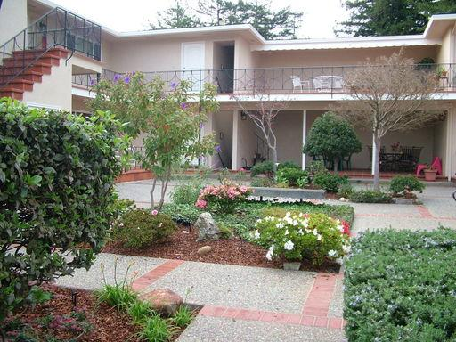 Fabulous Building and Very Spacious Unit!!!! Large rooms sizes, updated kitchen, 2nd floor unit, security garage.  Walk to Burlingame Shopping Center and Bart.  Great access to Hwy 101/380/280. To see this wonderful unit with a touch of old world charm, call today.
