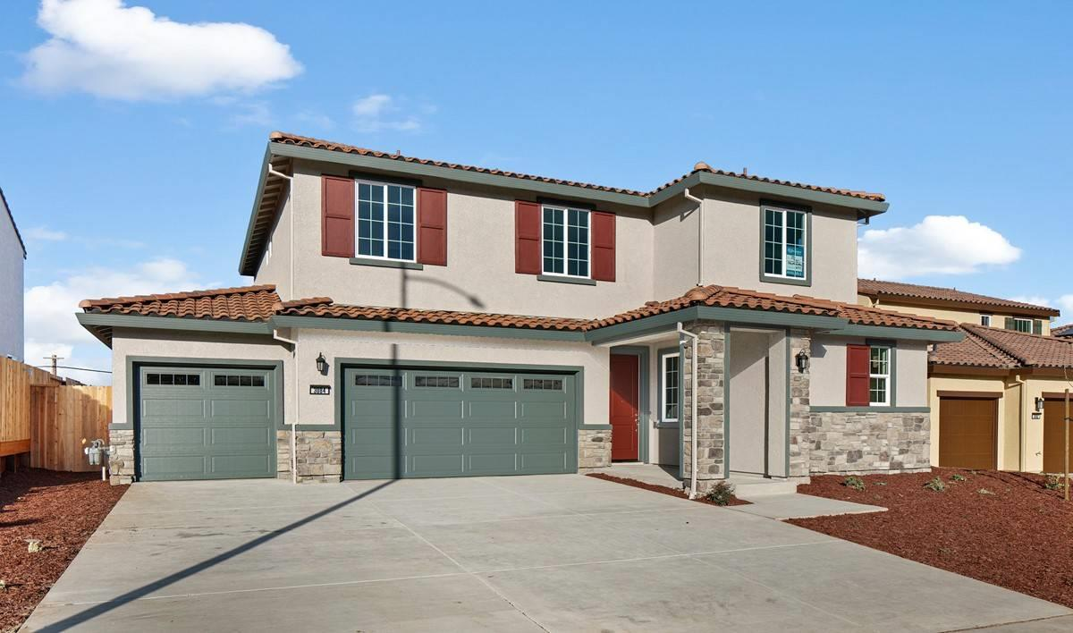 Detail Gallery Image 1 of 4 For 3073 Palomino, Hollister,  CA 95023 - 4 Beds | 2/1 Baths