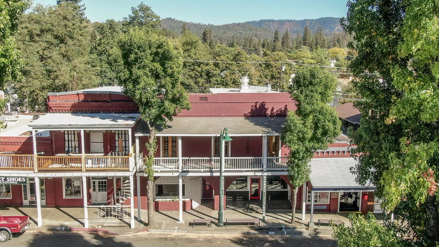 Detail Gallery Image 1 of 76 For 529 Main St, Weaverville,  CA 96093 - – Beds | – Baths