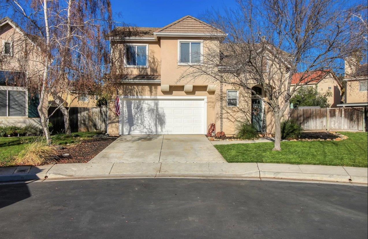 Detail Gallery Image 1 of 1 For 425 Canopy Ct, Gilroy,  CA 95020 - 3 Beds | 2/1 Baths