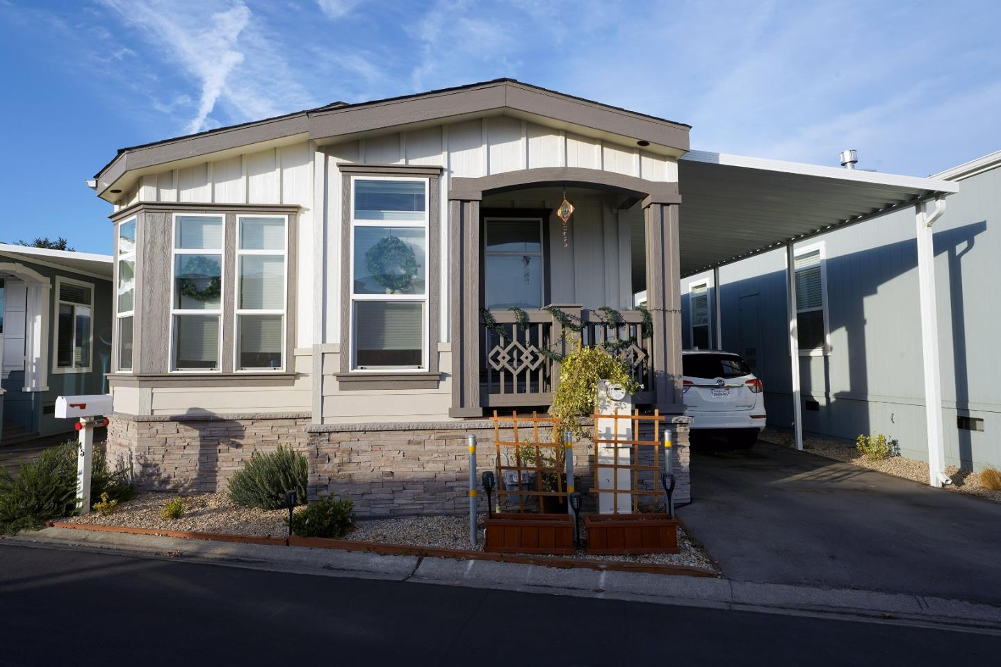 Detail Gallery Image 1 of 19 For 325 Sylvan Ave #45,  Mountain View,  CA 94041 - 3 Beds   2 Baths