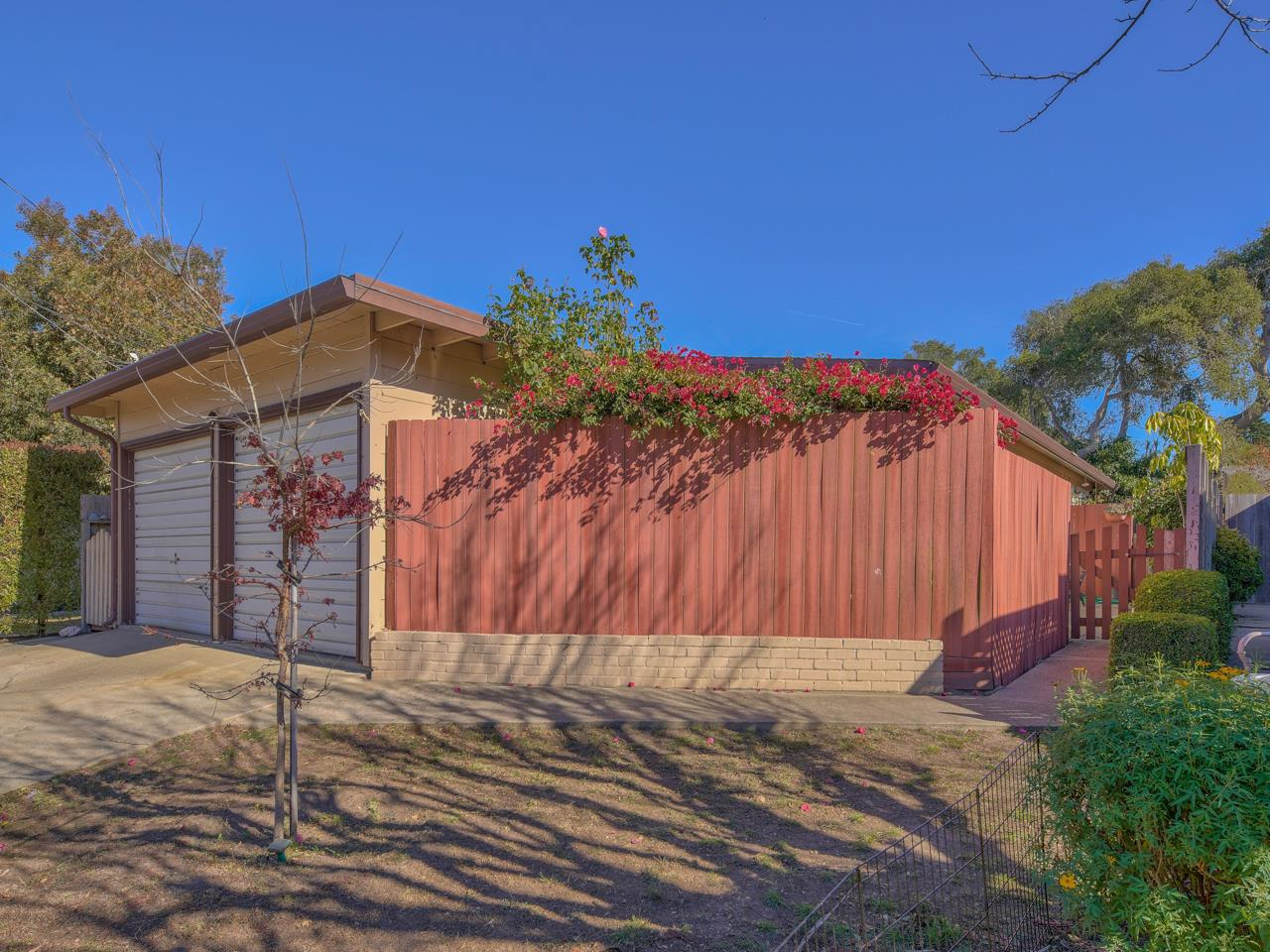 Detail Gallery Image 1 of 1 For 931 Walnut St, Pacific Grove,  CA 93950 - 4 Beds | 2 Baths