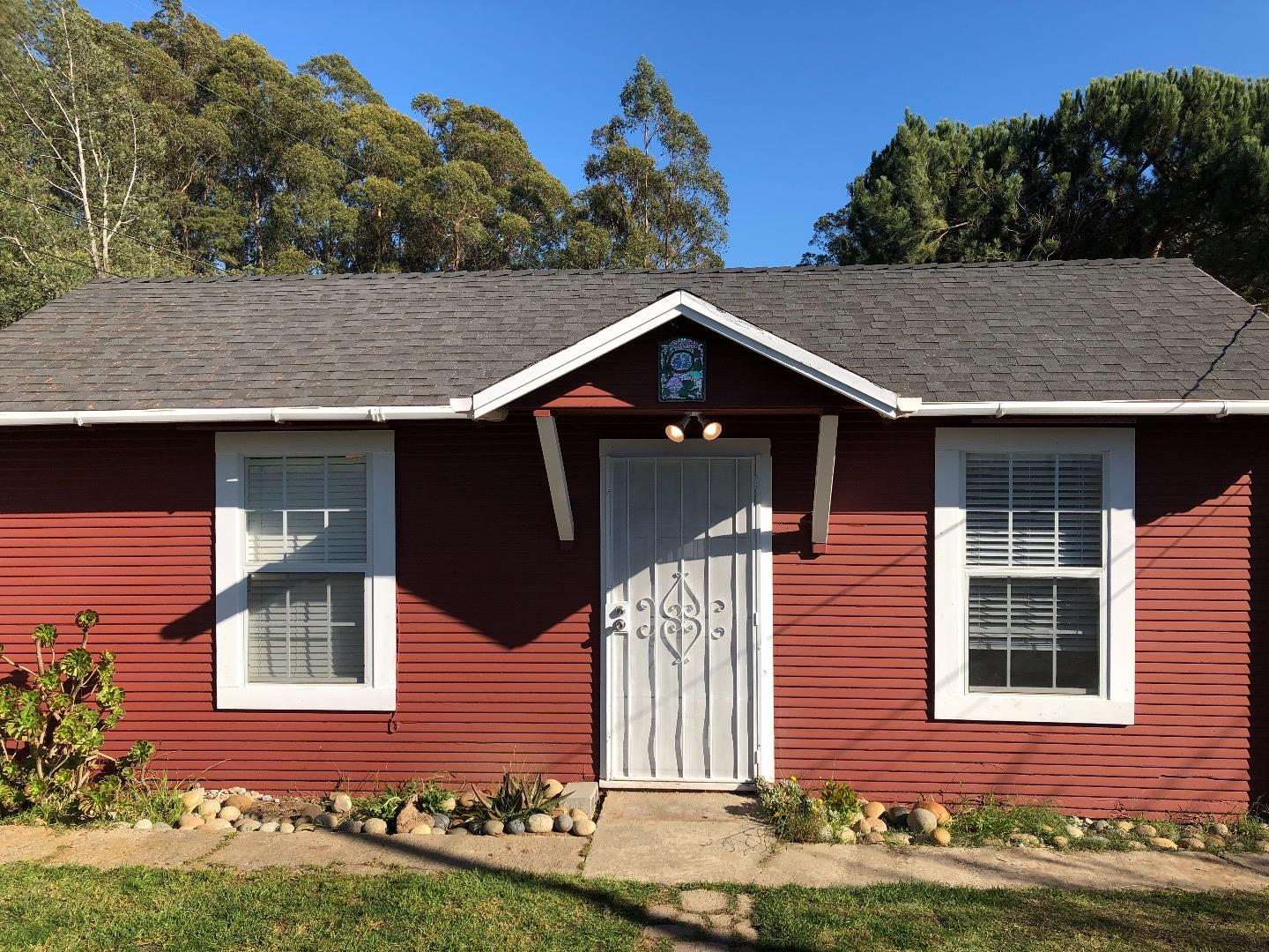 Detail Gallery Image 1 of 1 For 42 Crow Ave, Watsonville,  CA 95076 - 2 Beds | 1 Baths