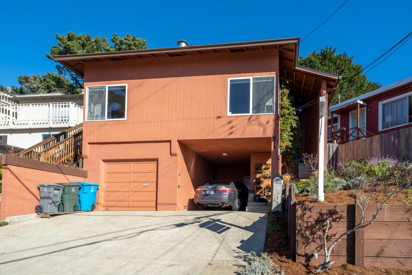 Detail Gallery Image 1 of 1 For 671 Beaumont Blvd, Pacifica,  CA 94044 - 3 Beds | 2 Baths
