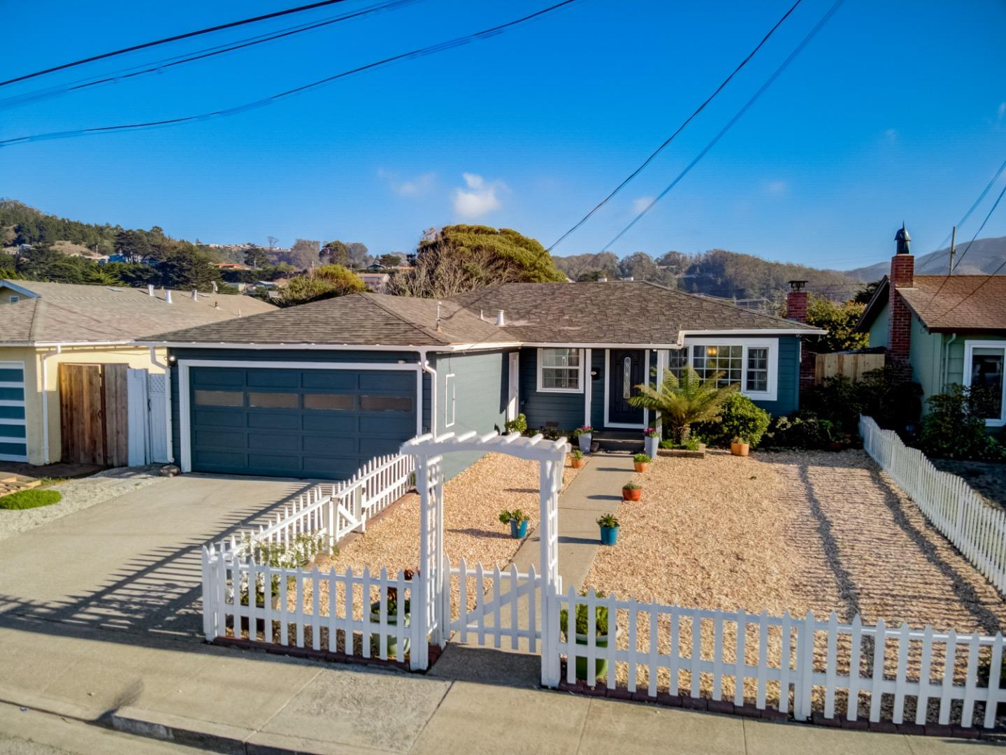Detail Gallery Image 1 of 1 For 1119 Cervantes Way, Pacifica,  CA 94044 - 3 Beds | 1 Baths