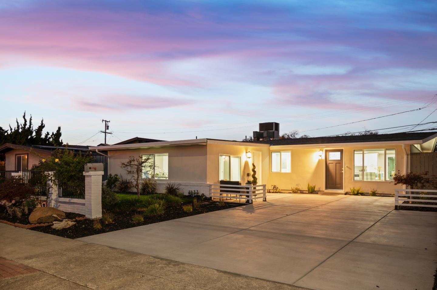 Detail Gallery Image 1 of 1 For 791 Lakechime Dr, Sunnyvale,  CA 94089 - 4 Beds | 2 Baths