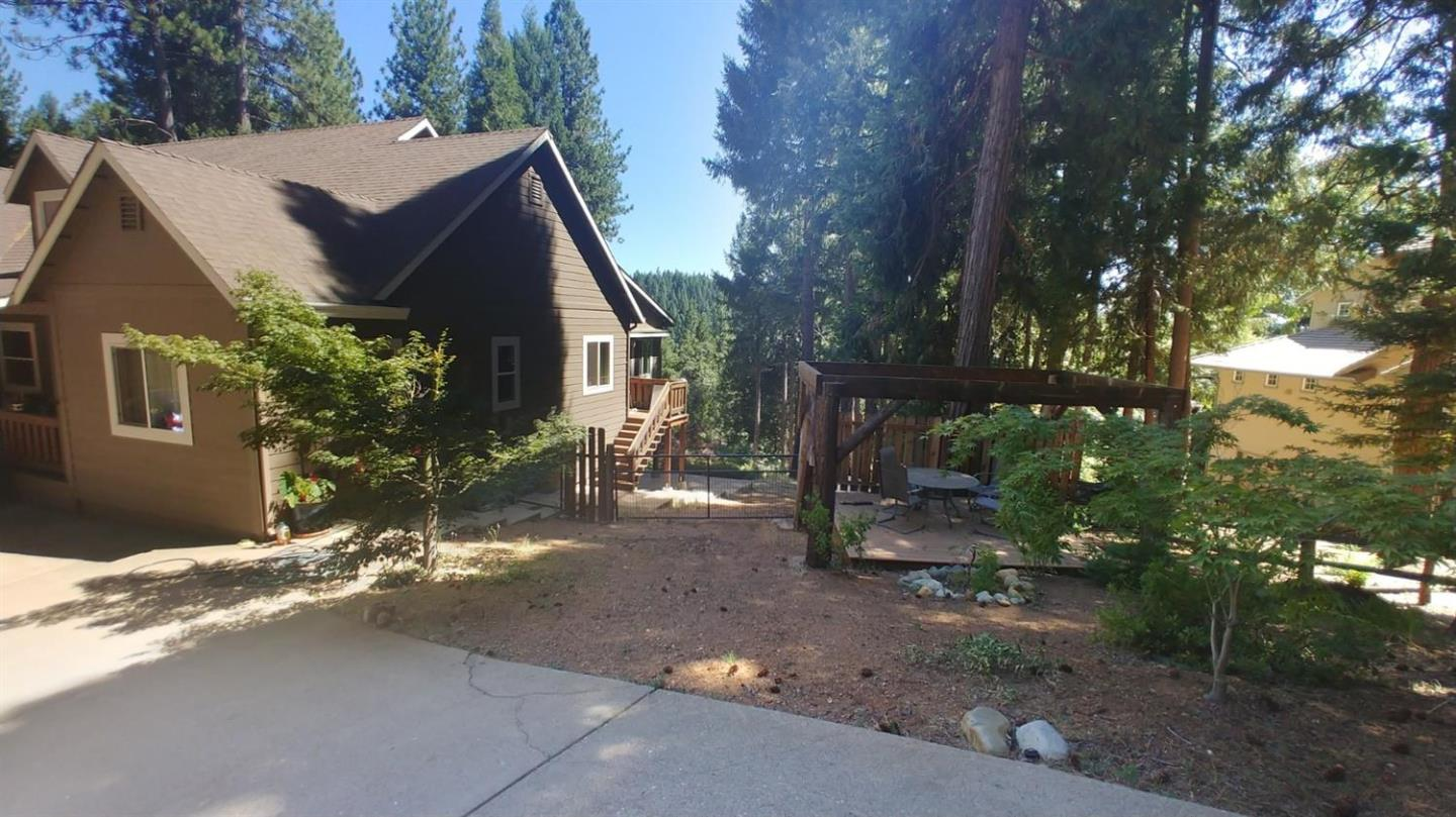 Detail Gallery Image 1 of 25 For 3248 York Ct, Pollock Pines,  CA 95726 - 3 Beds   2/1 Baths