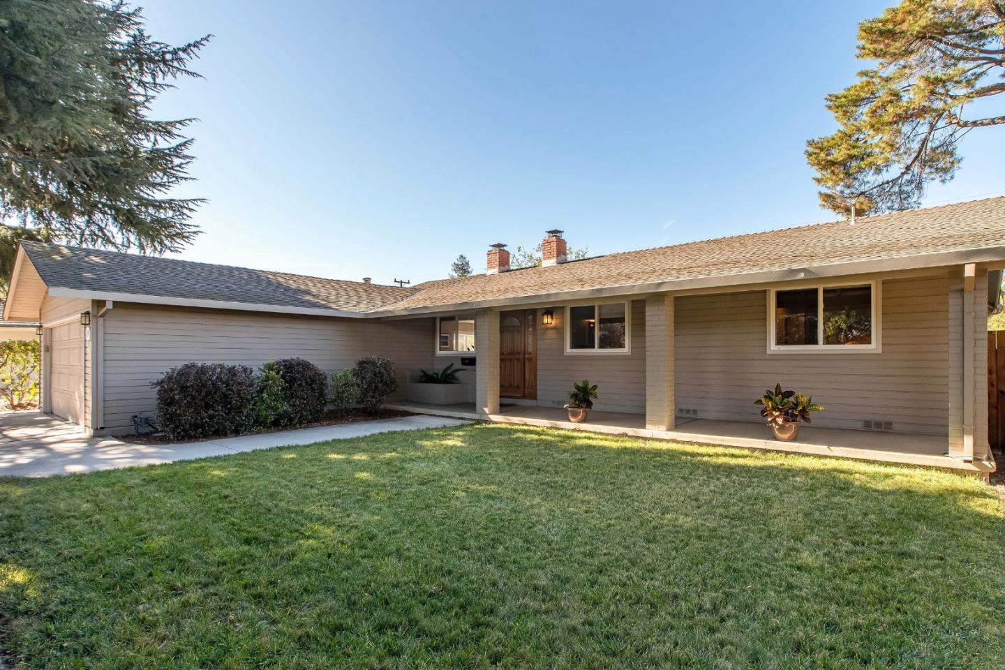 Detail Gallery Image 1 of 1 For 1449 Hollenbeck Ave, Sunnyvale,  CA 94087 - 4 Beds | 2 Baths