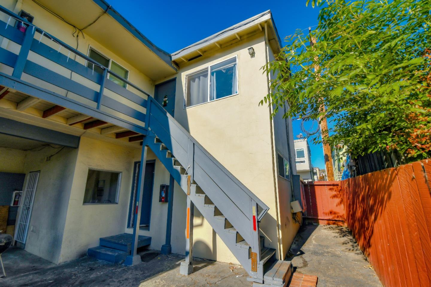 Detail Gallery Image 1 of 15 For 536 Baden Ave #3,  South San Francisco,  CA 94080 - 2 Beds | 1 Baths