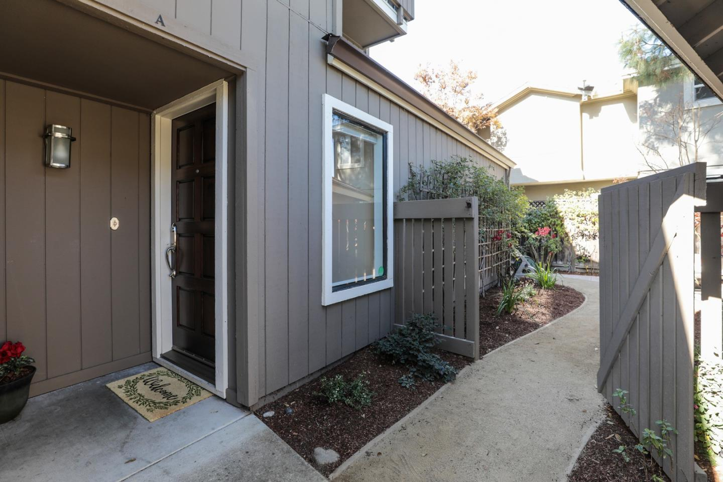 Detail Gallery Image 1 of 1 For 133 Union Ave #A,  Campbell,  CA 95008 - 2 Beds | 2 Baths