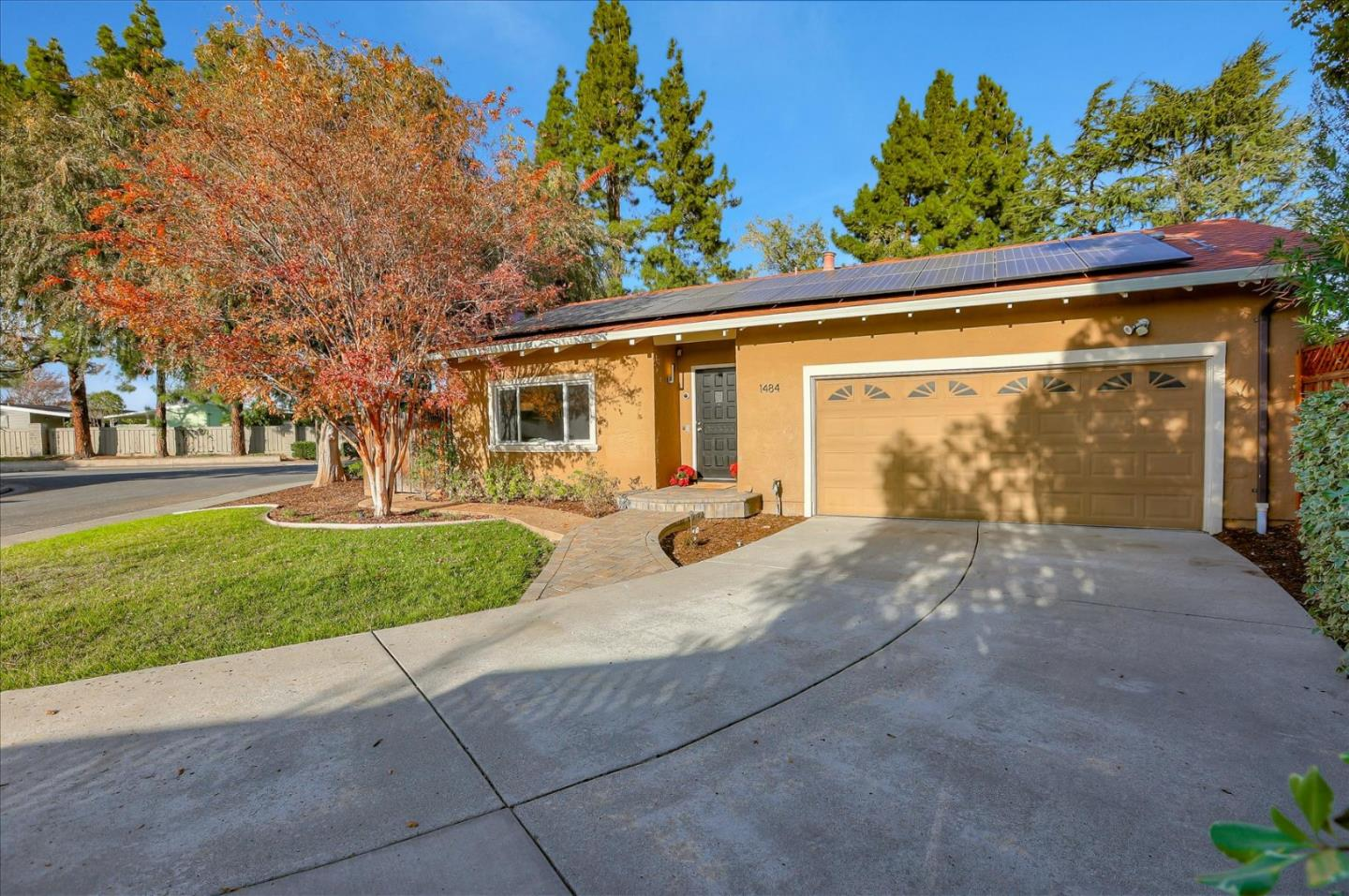 Detail Gallery Image 1 of 1 For 1484 Rojo Pl, San Jose,  CA 95128 - 4 Beds   2 Baths