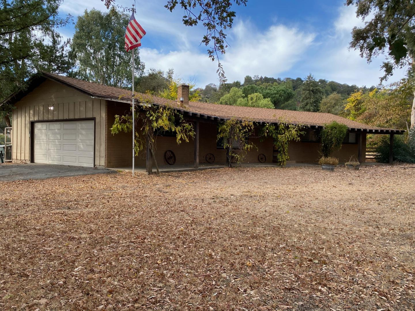 Detail Gallery Image 1 of 1 For 1200 Llagas Rd, Morgan Hill,  CA 95037 - 4 Beds   2 Baths