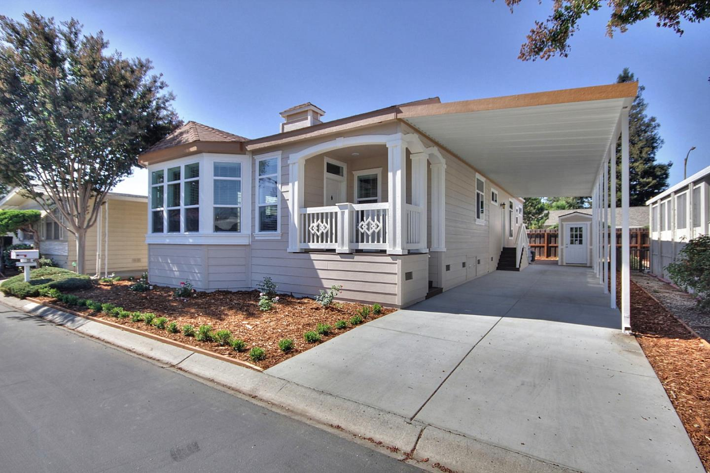 Detail Gallery Image 1 of 8 For 1445 Bascom Ave #157,  San Jose,  CA 95128 - 3 Beds   2 Baths