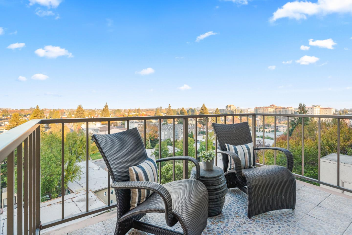 Detail Gallery Image 1 of 1 For 30 Mounds Rd #305,  San Mateo,  CA 94402 - 2 Beds   2 Baths