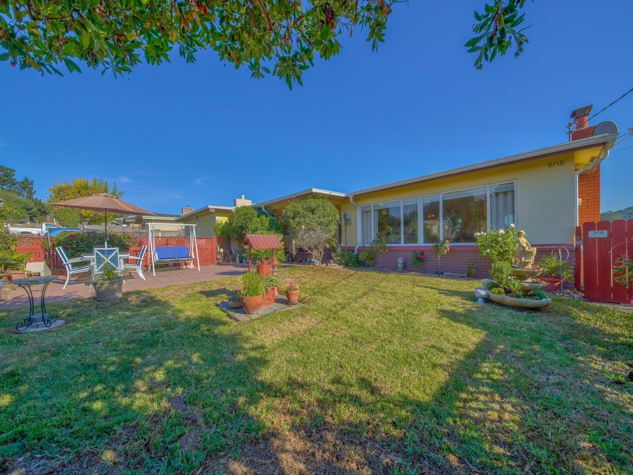 Detail Gallery Image 1 of 1 For 9710 Pollock Ln, Salinas,  CA 93907 - 3 Beds | 2 Baths