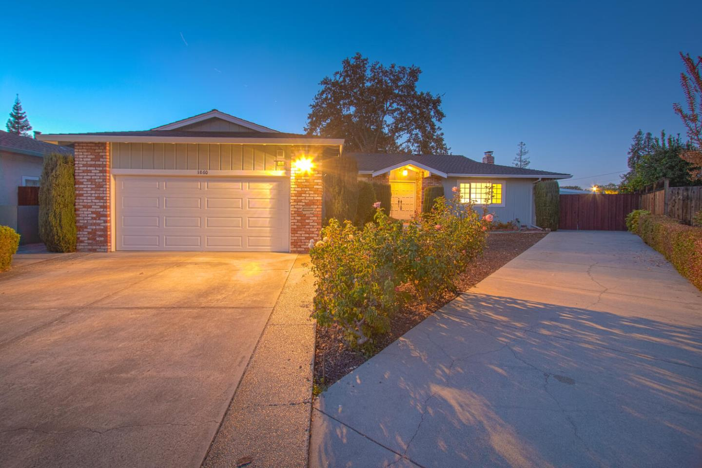 Detail Gallery Image 1 of 1 For 1860 Palm Ave, Redwood City,  CA 94061 - 4 Beds   3 Baths