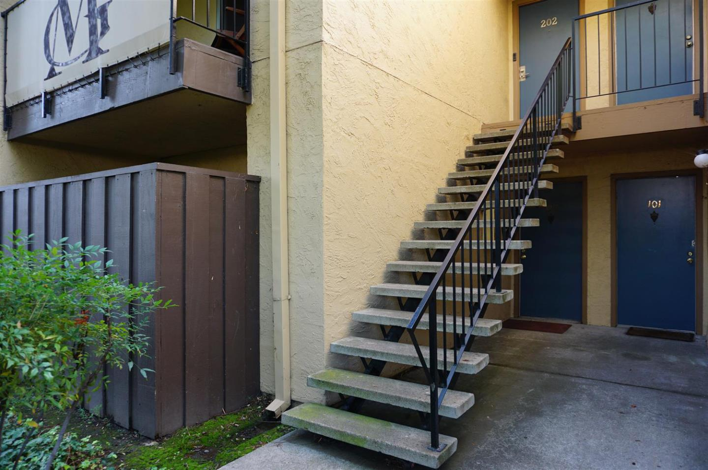 Detail Gallery Image 1 of 1 For 247 N Capitol Ave #102,  San Jose,  CA 95127 - 1 Beds | 1 Baths