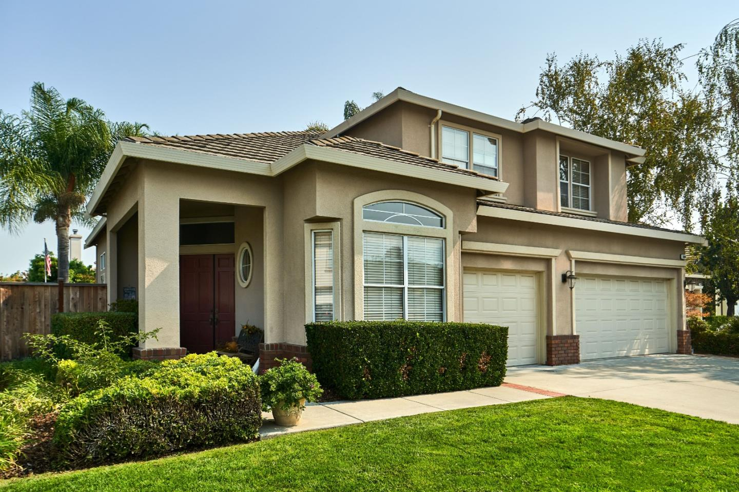 Detail Gallery Image 1 of 1 For 5660 Brionne Dr, San Jose,  CA 95118 - 5 Beds   3 Baths