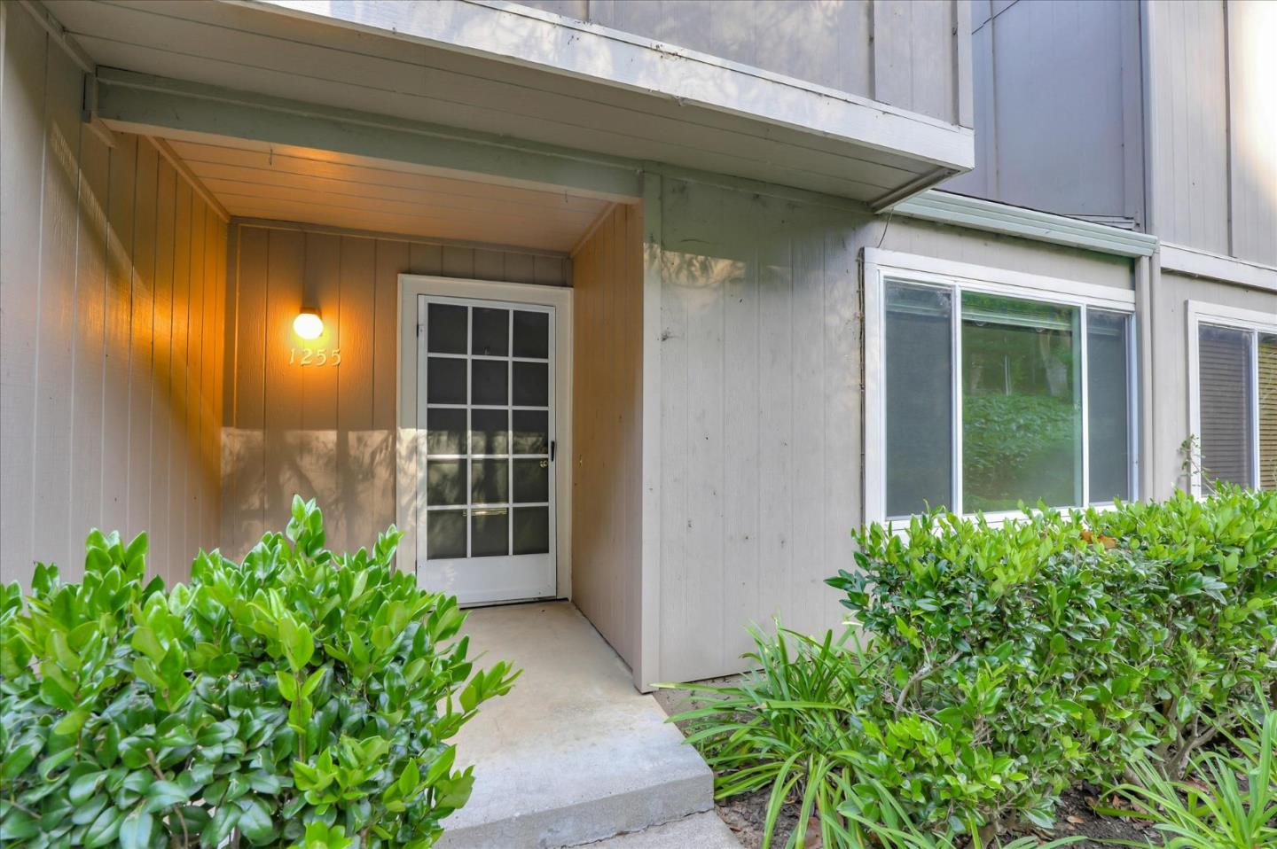 Detail Gallery Image 1 of 1 For 1255 Rosita Rd, Pacifica,  CA 94044 - 2 Beds | 1/1 Baths