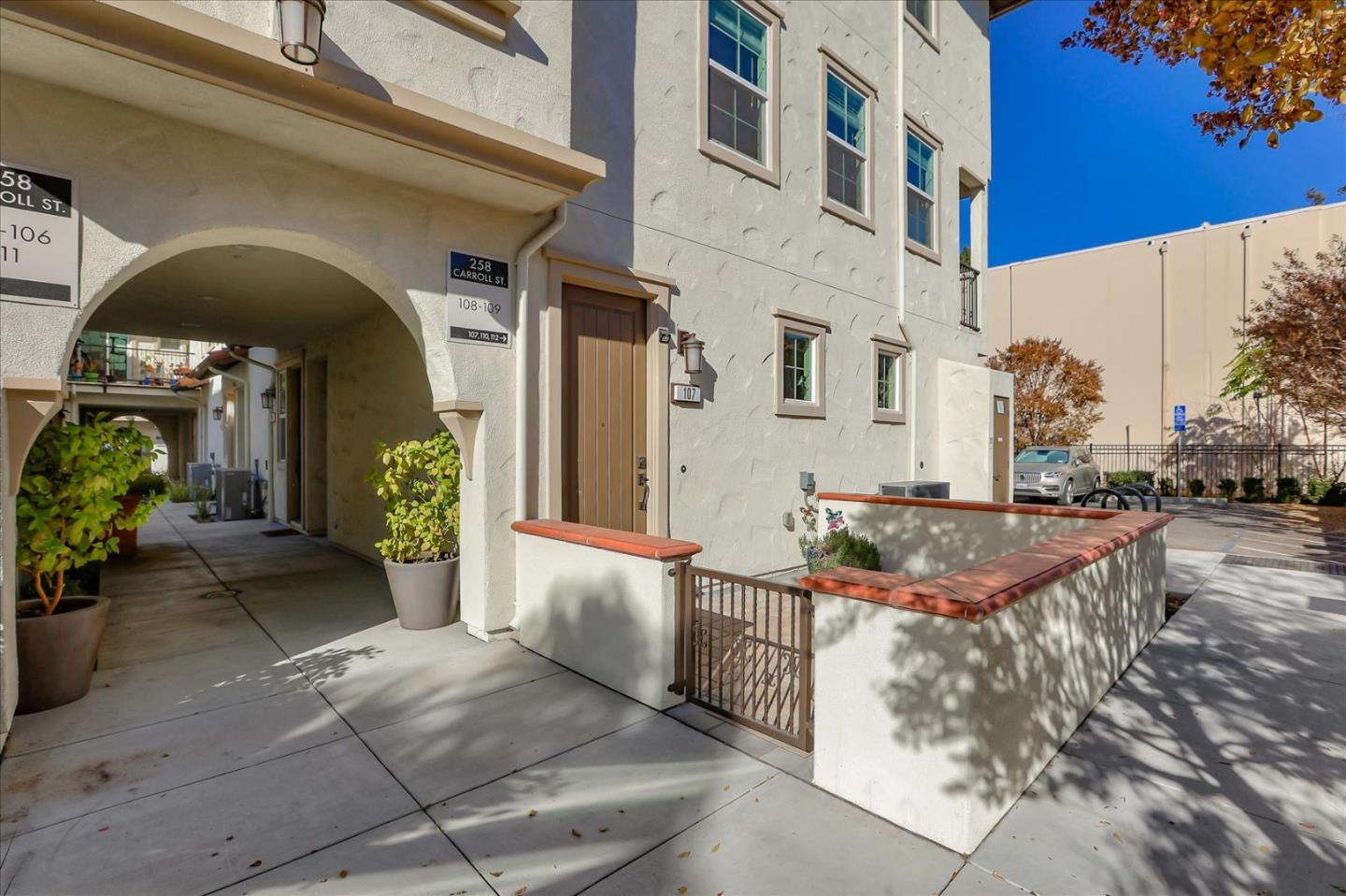 Detail Gallery Image 1 of 1 For 258 Carroll St #107,  Sunnyvale,  CA 94086 - 3 Beds | 2/1 Baths