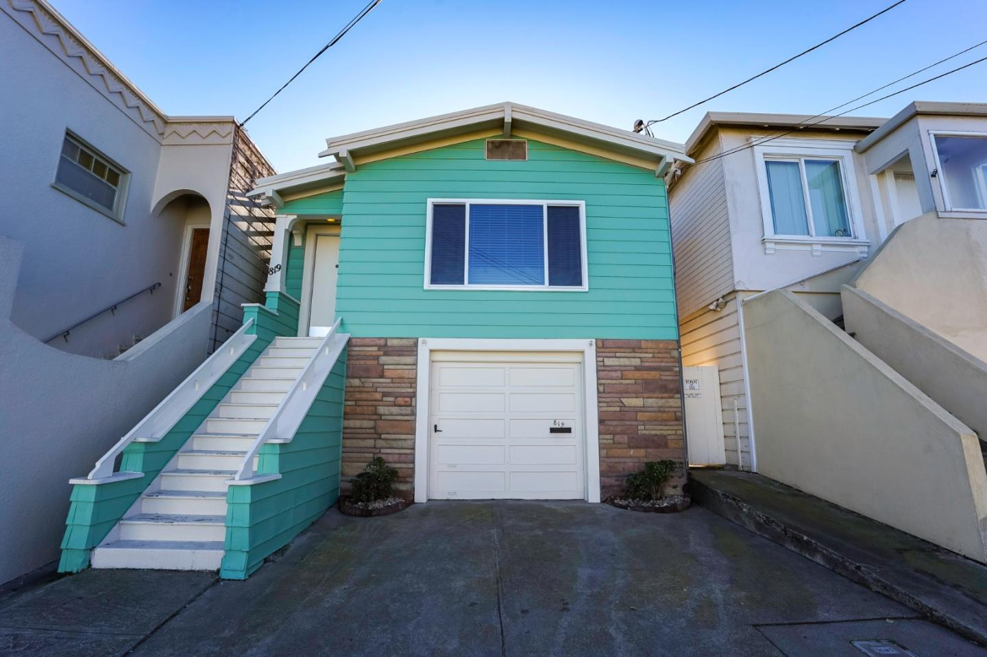 Detail Gallery Image 1 of 1 For 819 Hanover St, Daly City,  CA 94014 - 3 Beds | 2 Baths