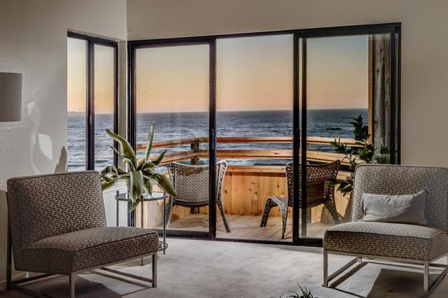 Detail Gallery Image 1 of 1 For 125 Surf Way #402,  Monterey,  CA 93940 - 1 Beds | 1 Baths