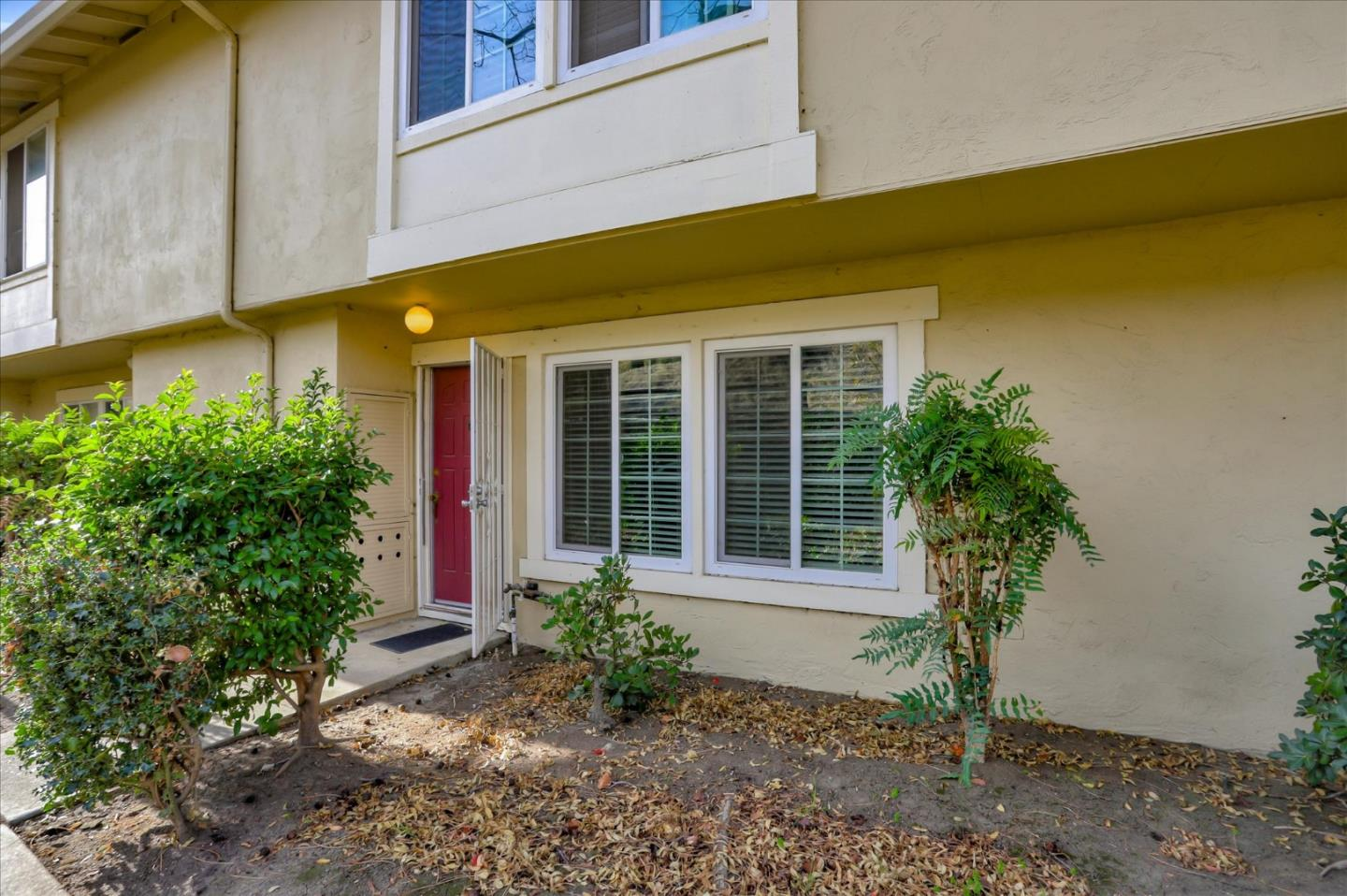 Detail Gallery Image 1 of 22 For 1908 Scepter Ct, San Jose,  CA 95132 - 3 Beds | 1/1 Baths
