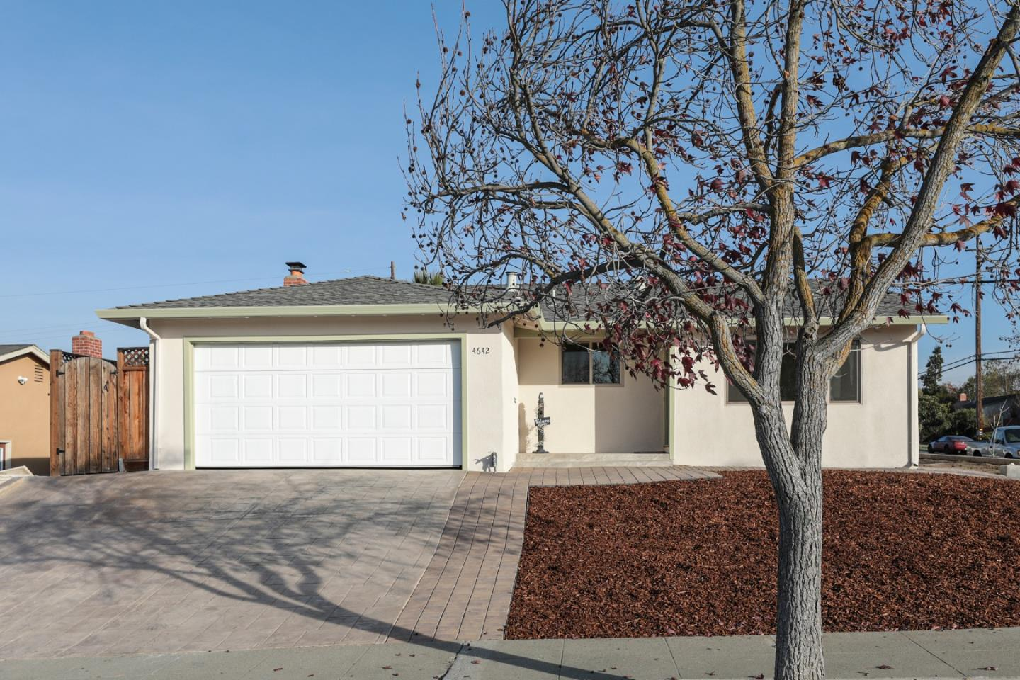 Detail Gallery Image 1 of 1 For 4642 Capitola Ave, San Jose,  CA 95111 - 3 Beds | 2 Baths