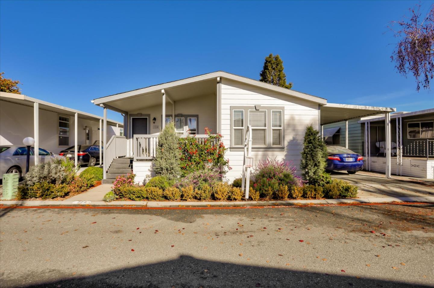 Detail Gallery Image 1 of 23 For 1111 Morse Ave #224,  Sunnyvale,  CA 94089 - 3 Beds | 2 Baths