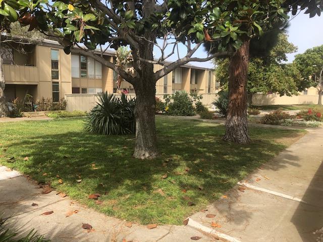 Detail Gallery Image 1 of 1 For 451 Dela Vina Ave #411,  Monterey,  CA 93940 - 2 Beds   1 Baths
